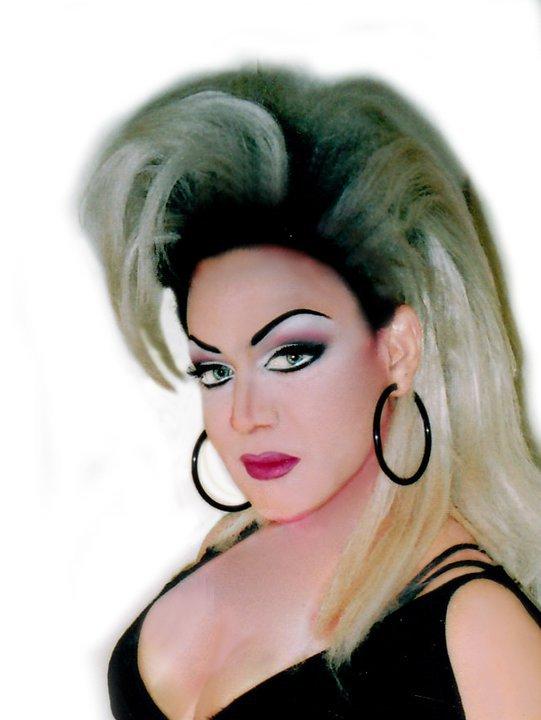 Drag Queen Gina Boss