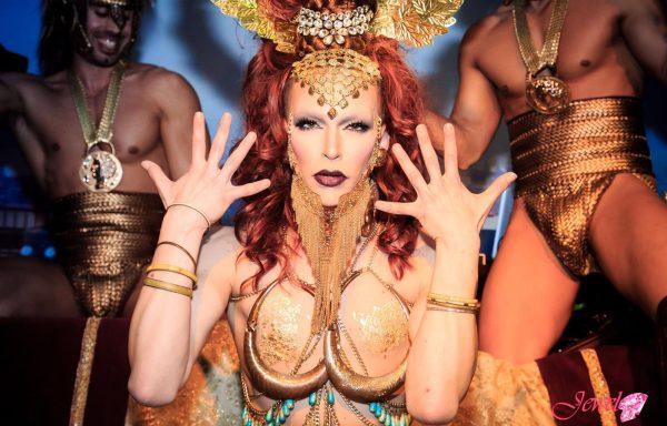 Drag Queens Alma DeSoul